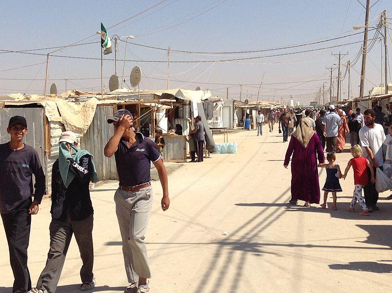 800px-Zaatari_refugee_camp,_Jordan_(1)