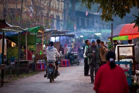 1375867243_Burma_Market1