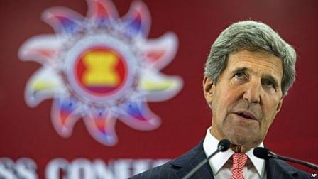 1375872838_John_Kerry_ASEAN1