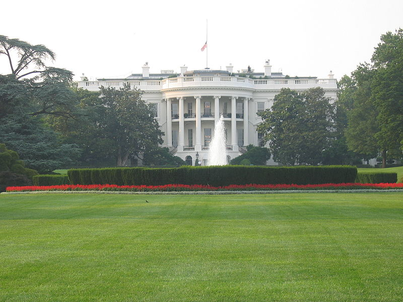 800px-White_House_south_side