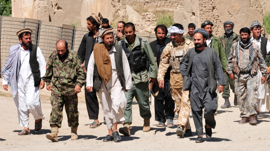Taliban insurgents turn themselves in to Afghan National Security Forces. (Photo source: wikimedia commons)