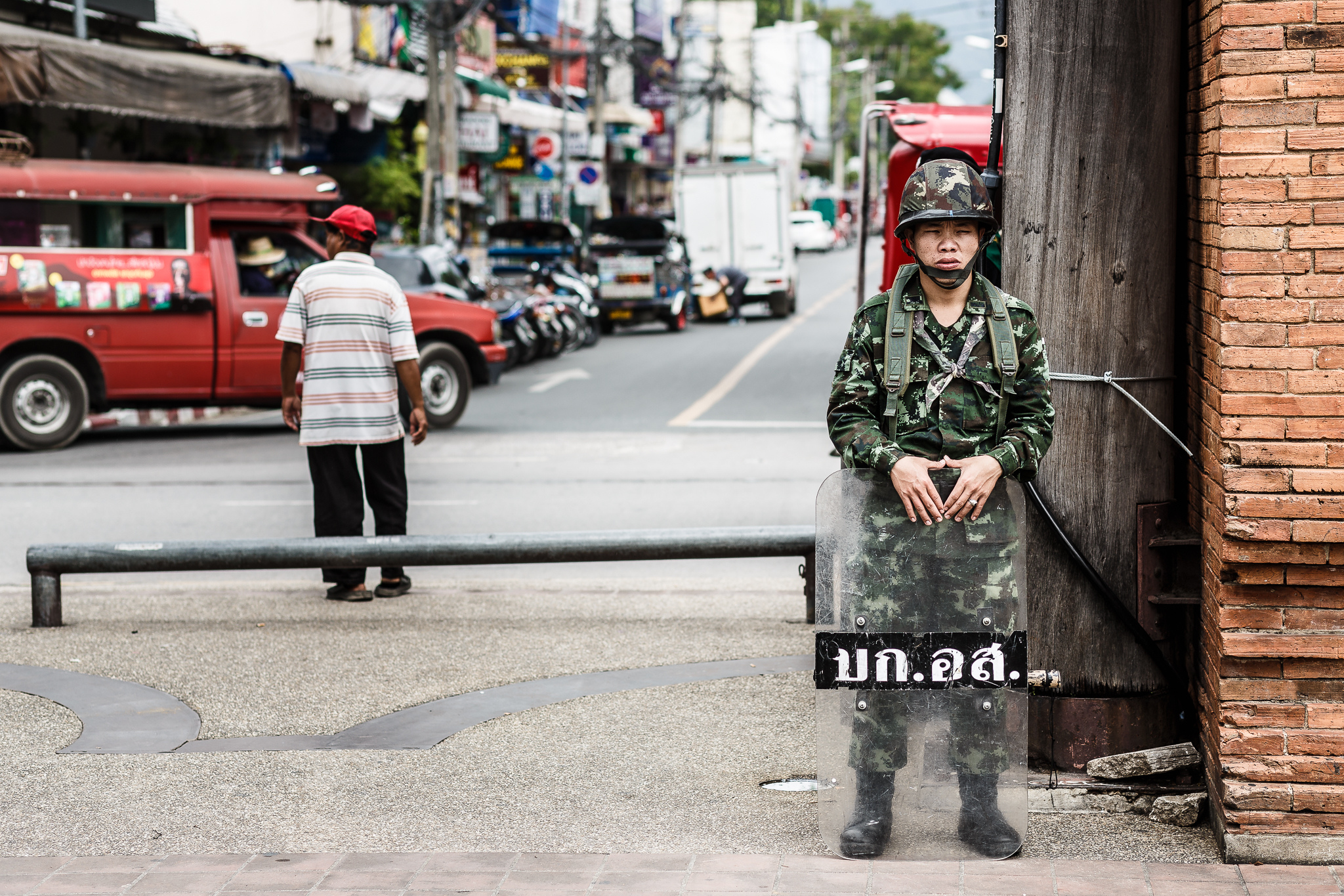 Thai soldiers stand guard across the country against anti-coup protesters - Torbus via Flickr