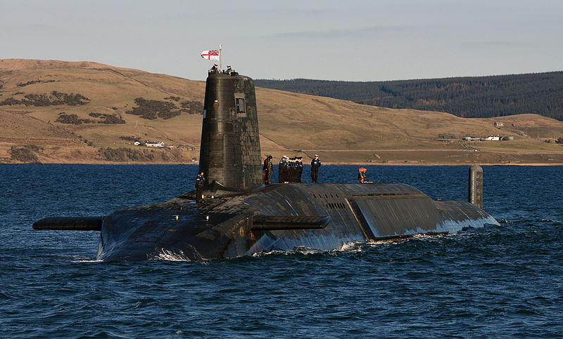 800px-Trident_Nuclear_Submarine_HMS_Victorious