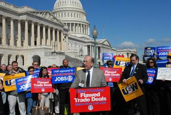 US trade unions rally against the Free Trade Agreement, BErnard Pollack via Flickr creative commons