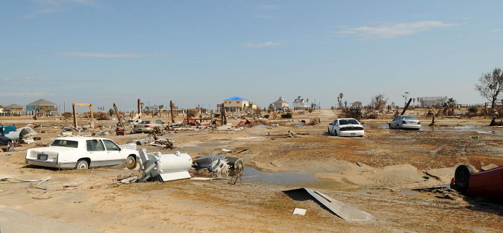 1280px-Hurricane_Ike_Bolivar_Peninsula,_TX