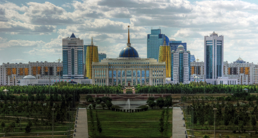 Presidential Palace, Astana, Kazakhstan. Kluzniak, M. Flickr Creative Commons.