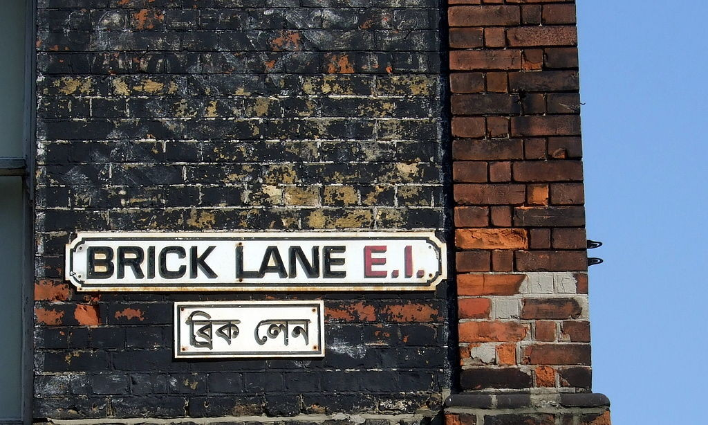 Brick Lane street sign in English and Bengali. Photo: James Cridland