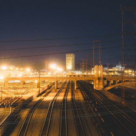 Night, industry, rails (https://www.pexels.com/photo/night-industry-rails-railroads-4993/)