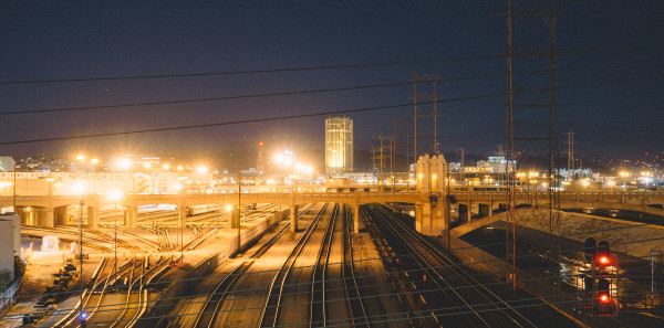 Night, industry, rails (https://www.pexels.com/photo/night-industry-rails-railroads-4993/)